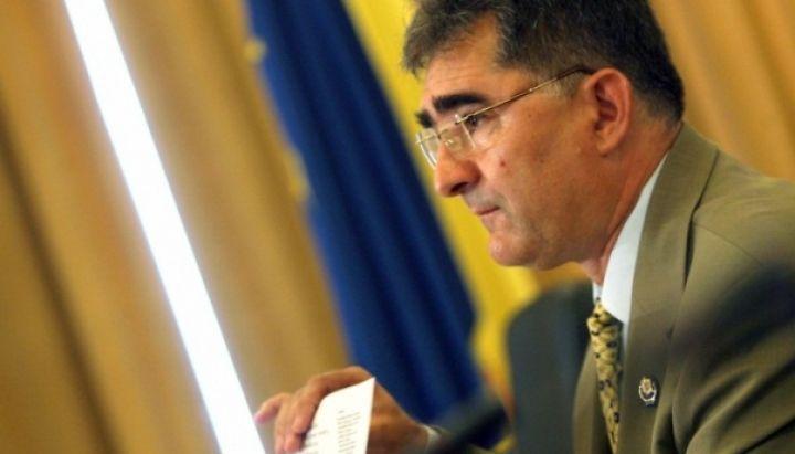 Senatorul PNL, Ioan Ghise, a declarat vineri, dupa ce propunerile de modificare la Codul Rutier au fost schimbate in documentul postat pe site-ul MAI, ca nu se poate vorbi despre o modificare de parti