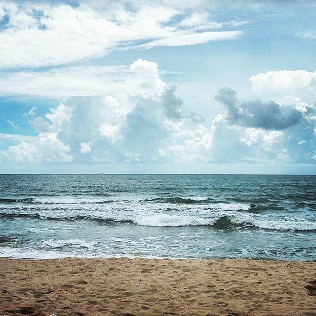 Для всех, кто ценит такие моменты. Для всех, кому не хватает таких моментов. Всем, у кого из таких моментов складывается жизнь #travel #trip #clubtrip #beach #ocean #peace #harmony #calmness #cambodia #sihanoukville #путешествия #камбоджа #сиануквиль #пляж #океан #спокойствие #гармония
