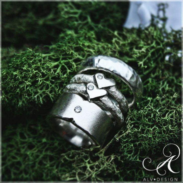 Planera inför Valentines Day med Alv Designs rustika handgjorda silverringar med och utan ädelstenar❣️ Design och arbete av konstnär & silverdesigner Anneli och Kenneth Lindström, Alv Design. Välkommen att se mer i Alv Designs webbutik www.alvdesign.se