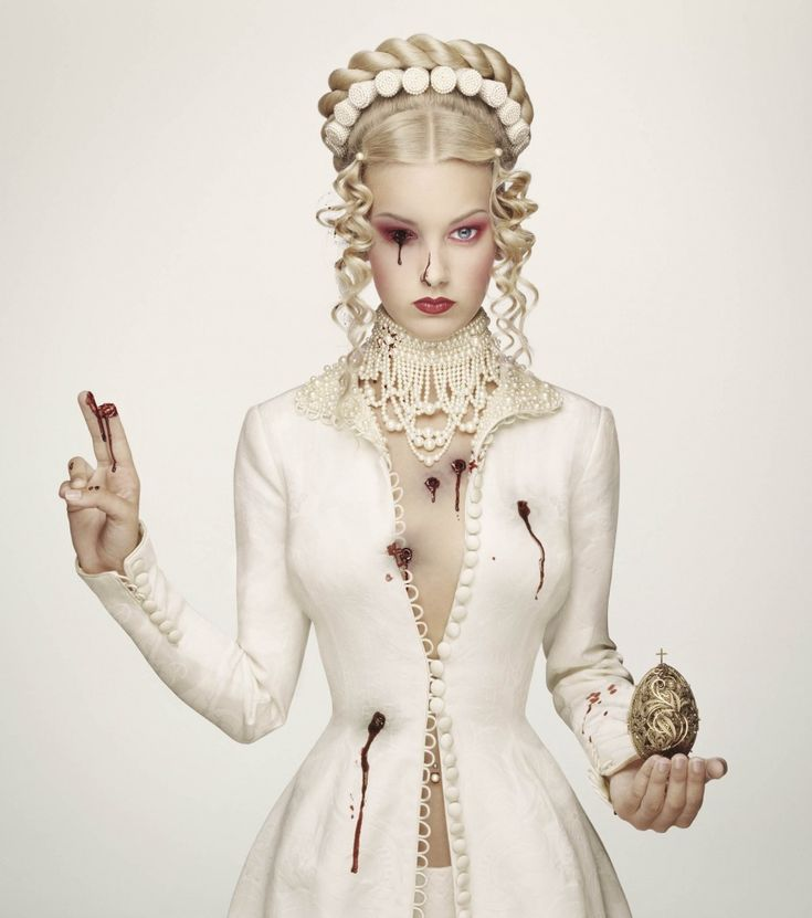 Tsarina Alexandra (Royal Blood), by Erwin Olaf