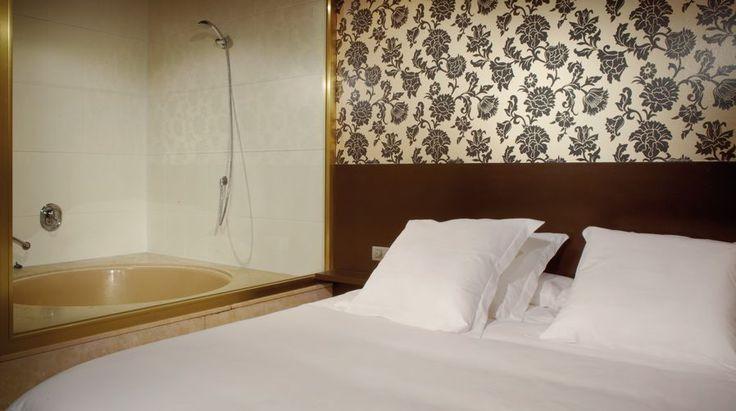 motelpunt14.com superlovehotels.com Motel Punt 14 & Habitación con jacuzzi #lovehotel #porhoras #lovemotel #barcelona #gava