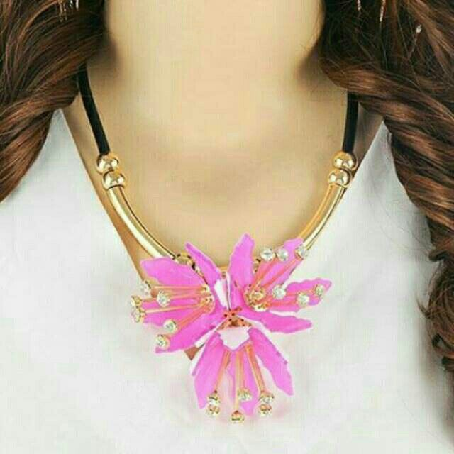 Saya menjual Kalung Fashion MARNI flower pendant decorated simple design - RA5A5C seharga Rp150.000. Dapatkan produk ini hanya di Shopee! https://shopee.co.id/deventostore/11865517 #ShopeeID