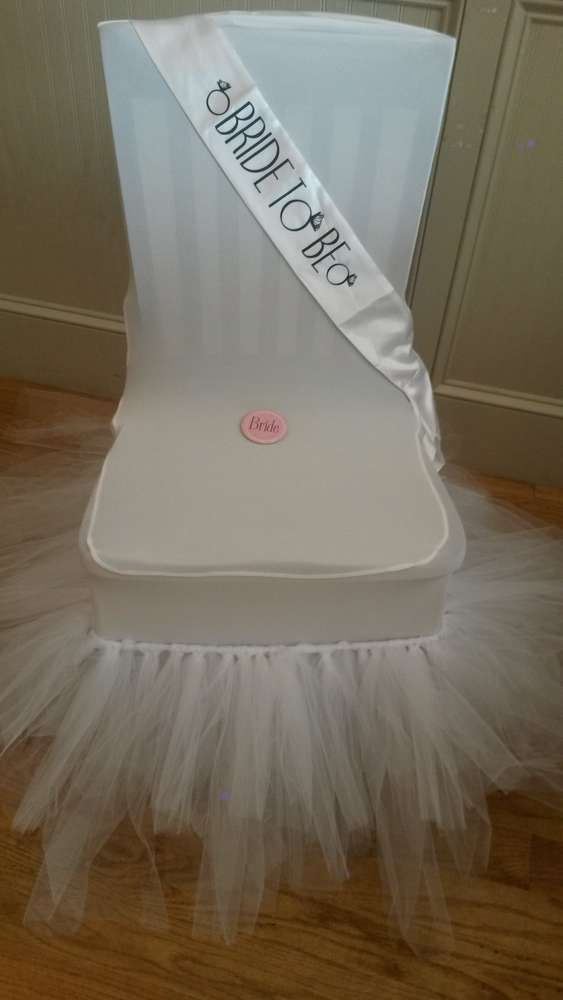 Best 25+ Bridal shower chair ideas on Pinterest | Simple ...