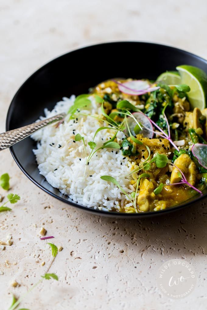 Simple Thai Yellow Curry| A simple Thai yellow curry situation that takes 30 minutes and no curry paste. | www.wildeorchard.co.uk