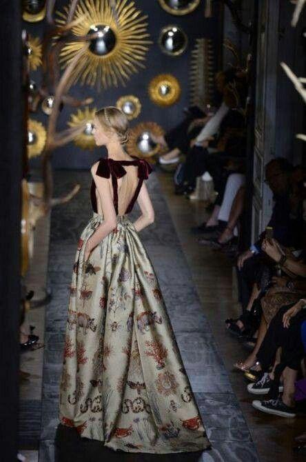 Valentino 2014 beayooooootifyl...the bows so elegant