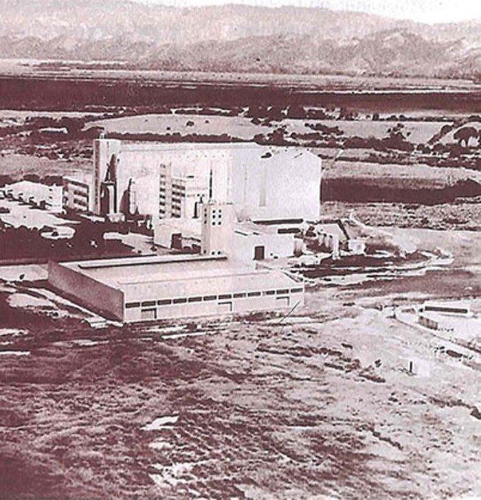 1954 Nace el área de alimentos Nace el área de Alimentos con una planta procesadora de maíz, en Turmero, estado Aragua, concebida para producir las hojuelas de maíz, hasta entonces importadas, que se requerían como materia prima para la elaboración de la Cerveza Polar.