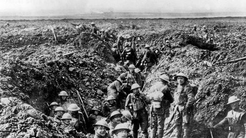 Canadian soldiers in the trenches at Vimy Ridge in 1917 during the First World War. On a blustery Easter Monday morning, thousands of young Canadians poured out of trenches and underground bunkers and tunnels and swarmed up a gently sloping hillside in northern France, a place called Vimy Ridge.