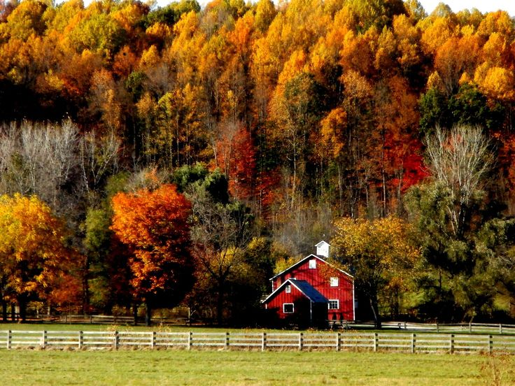 Hale Farm and Village in Peninsula, Ohio in the Fall ...