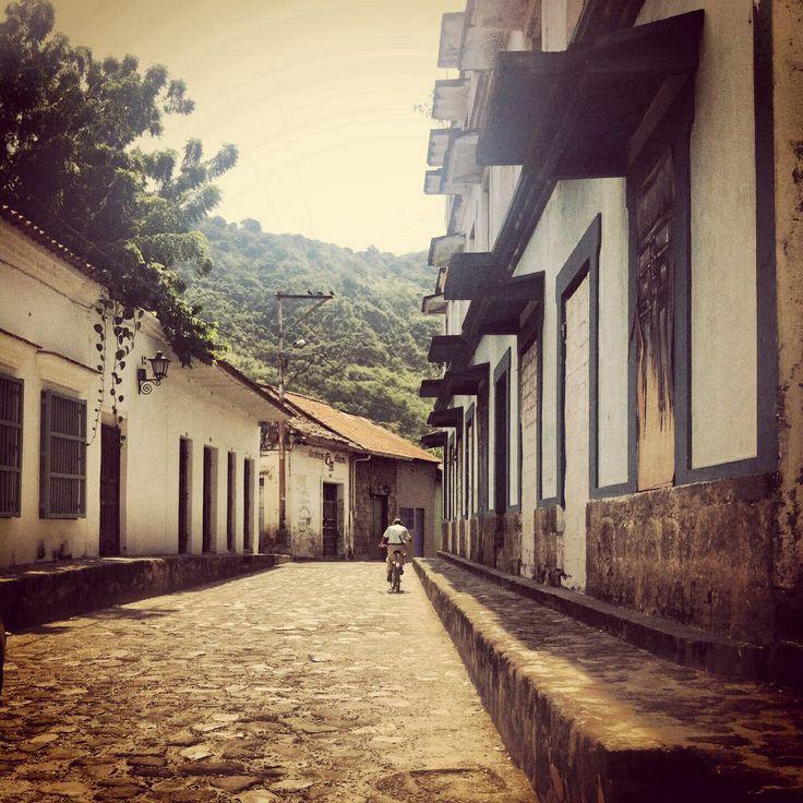 Calle de las trampas  Honda Pueblo patrimonio de Colombia