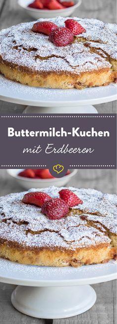 Soft, süß und fruchtig - unser Rezept für leckeren Buttermilch-Kuchen mit Erdbeeren ist genau das Richtige für einen Kaffeeklatsch unter der Sommersonne.