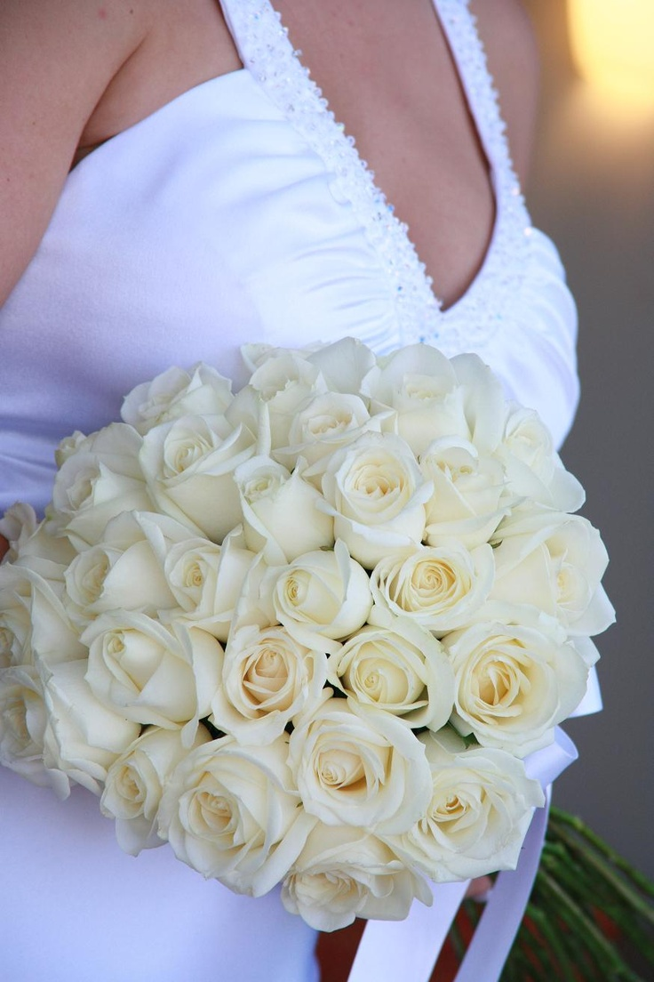 Cream Rose Bouquet Posy Wedding Flowers By Natalina Servicing Gold Coast Tamborine