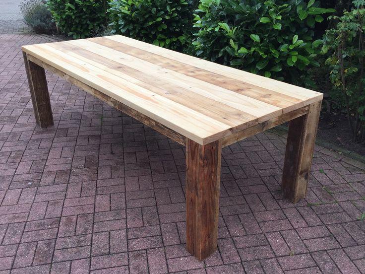 Gartentisch selber bauen rustikal  Gartentisch aus gebrauchtem Bauholz, geölt | Film production office ...