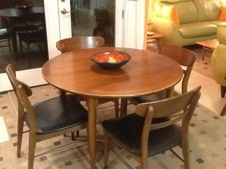 Round Dinette After. Dining Table