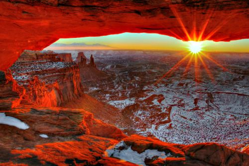 Here's to a bright 2015! Happy new year everyone!Sunrise photo from Mesa Arch in Canyonlands National Park by Greg Sager (www.sharetheexperience.org)
