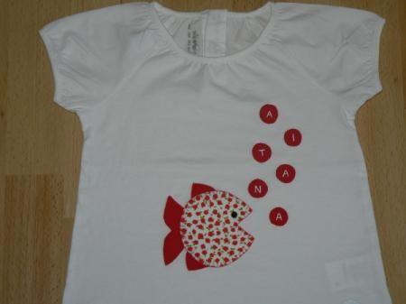 camiseta con pececito y nombre en burbujas  camiseta de algodón,telas cosido a mano