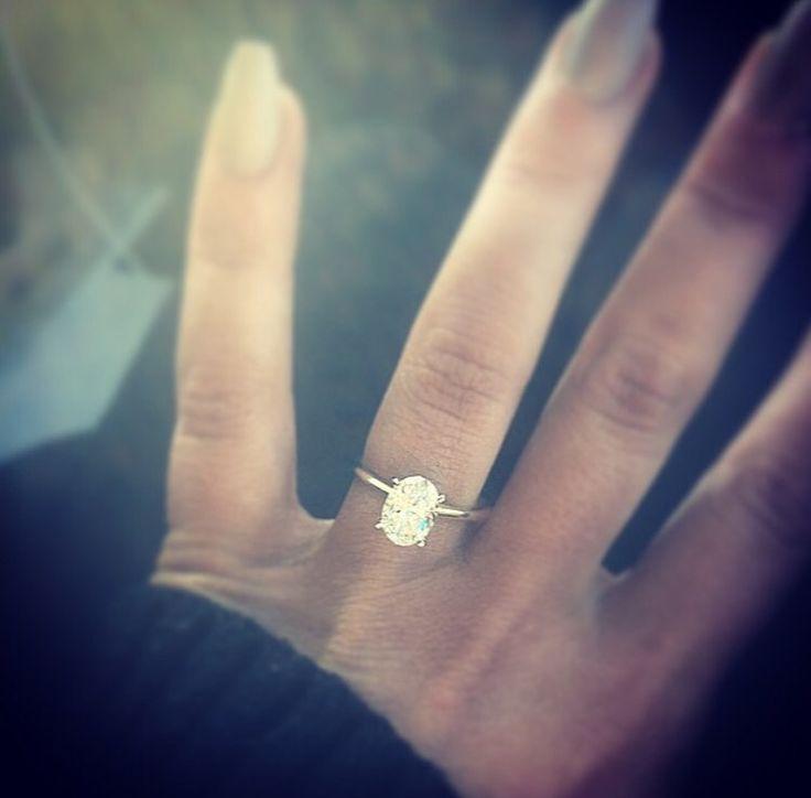 Chelsea Houska's ring
