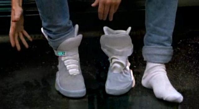 Secondo un designer di Nike, i lacci automatici di Marty McFly arriveranno nel 2015! - Mondo Informatico