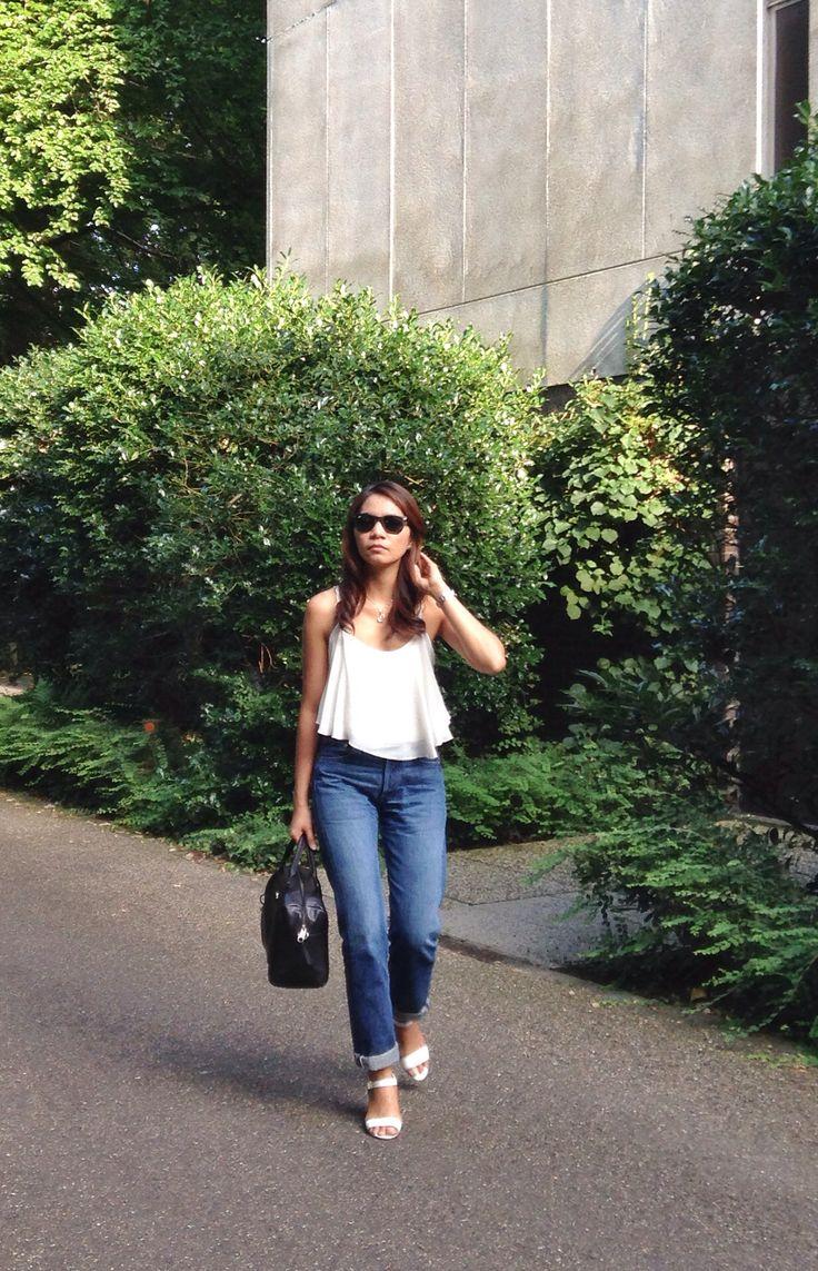 the boyfriend jeans..