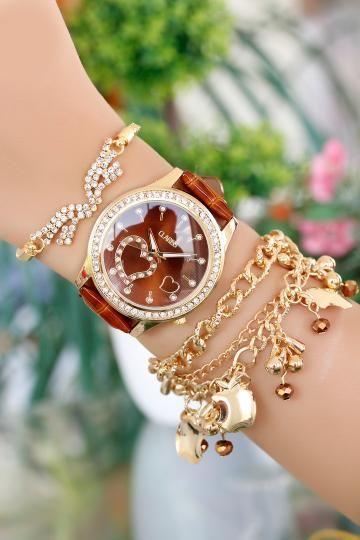 Clariss Marka Gold Kasa Bayan Saat ve Bileklik Kombini