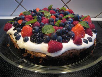 Pernilles kager: Mandelbund med friske bær