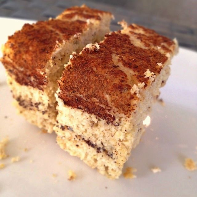 = PROTEIN POW(D)ER !: Vanilla & Cinnamon Protein Cake - A Guest Post by Sanna - This with coconut flour instead of oat and no sweetener as the vanilla protein powder will probably do it!
