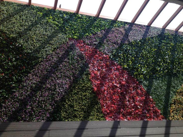Encuentra las mejores ideas e inspiración para el hogar. Muros verdes Artificiales Innover por Grupo Boes | homify