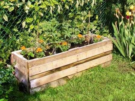 raised bed: Gardens Boxes, Pallets Gardens, Pallets Wood, Pallets Planters, Wooden Pallets, Gardens Planters, Flowers Boxes, Planters Boxes, Old Pallets