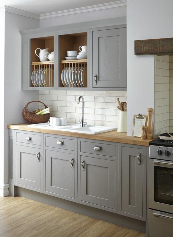 couleur qui va avec le gris, cuisine moderne style épuré, placards ...