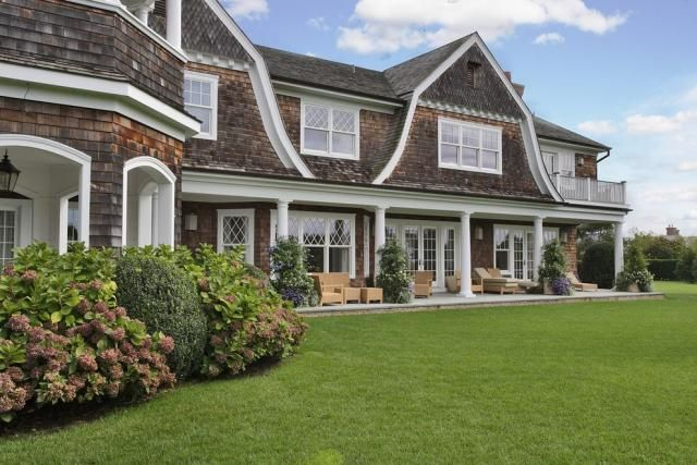 Love the style. Jennifer Lopezs $10 million, 3 acre Hamptons house in Water Mill, New York