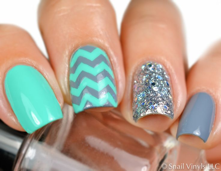 Medium Chevron Nail Vinyls - Snail Vinyls  - 1