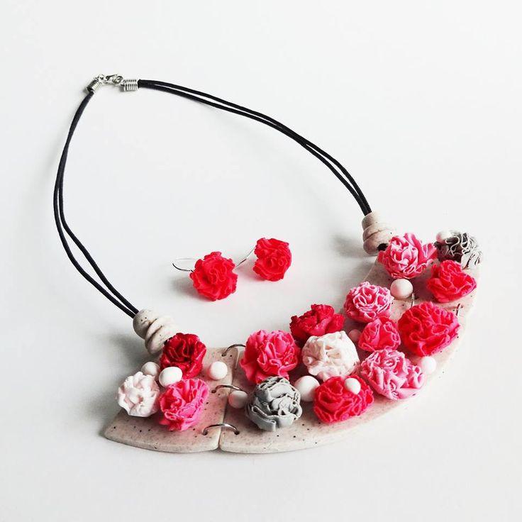 Jana Svobodová - náhrdelník z polymerové hmoty podle workshopu Hany Auterské