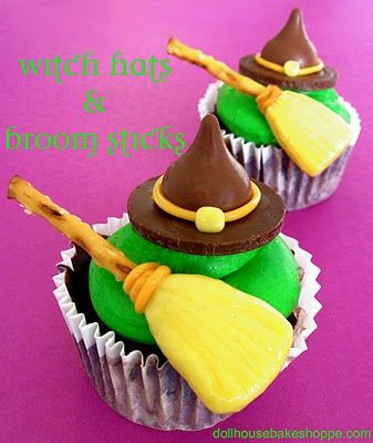 Dollhouse Bake Shoppe: 10 halloweenBaking Shoppe, Witch Hats, Edible Crafts, Melted Witches, Witches Hats, Broom Sticks, Chocolates Coins, Candies Witches, Witches Cupcakes