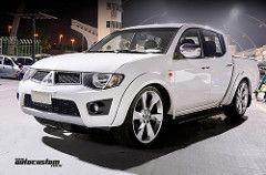 Mitsubishi L200 Triton (AutoCustom) Tags: white branco saopaulo low pickup l200 mitsubishi triton minitruck camionete anhembi sporttruck rebaixada aro22