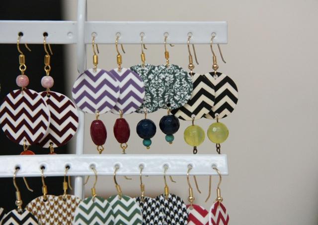 Demodè Lovely Things  Chevron Earrings