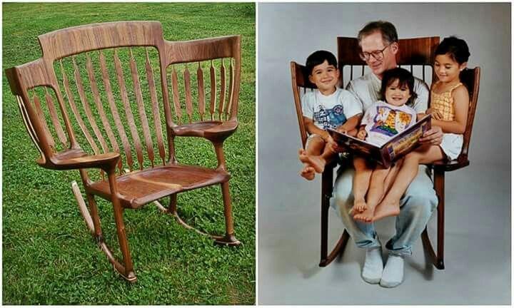 Con el nacimiento del tercer hijo a Hal Taylor se le hizo incómodo leerles cuentos a los pequeños en una silla común, así ique decidió inventar una silla mecedora con dos asientos adicionales para los peques. http://www.boredpanda.com/storytime-rocking-chair-read-books-children-hal-taylor/