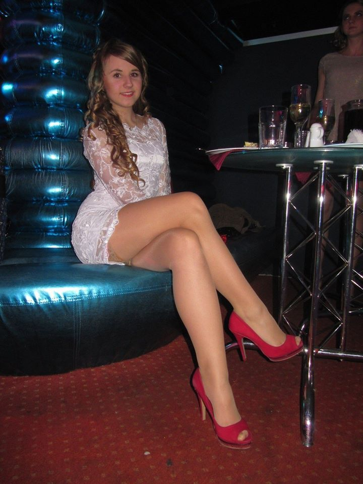 sex club crossdresser in nylons