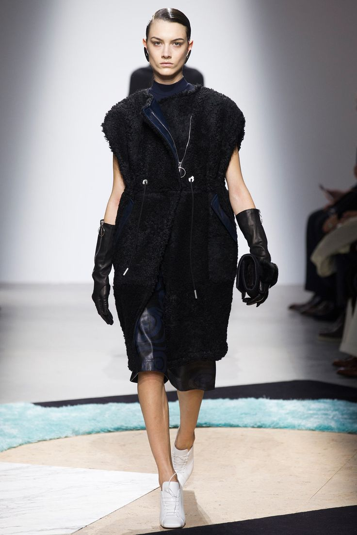 Acne Studios Fall 2014 Ready-to-Wear Fashion Show - Ronja Furrer (IMG)