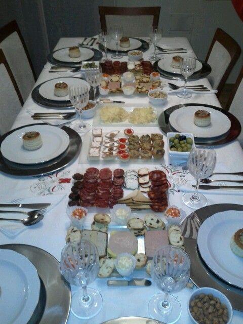 Preparada la mesa para que lleguen los invitados!!