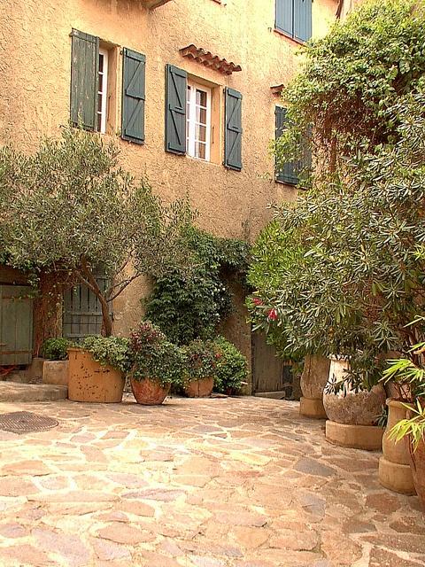 ღღ So beautiful.. calming.. inviting ~~~ Provencal House in the French Riviera by New York Habitat, via Flickr
