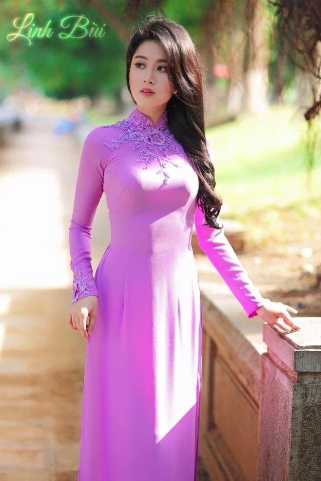 Traditional Dresses To Wear At A Wedding