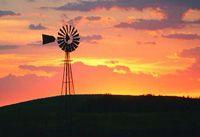 """Journée européenne du vent (de l'énergie éolienne) :  L'EWEA (European Wind Energy Assocation, Association Européenne de l'Énergie Éolienne) organise et anime la Journée Européenne du vent depuis quelques années, à la date du 15 juin.  Des évènements divers et variés sont organisés à travers les villes et régions Européennes afin de célébrer le """"pouvoir du vent"""". L'objectif de cette journée est de promouvoir le potentiel et l'efficacité du vent en tant que source d'énergie."""