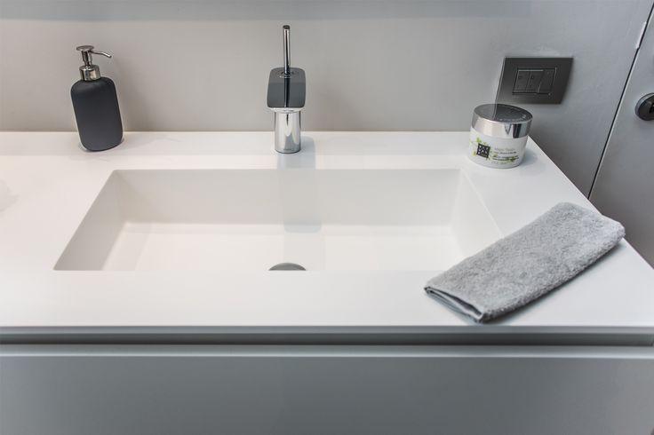 20 beste idee n over badkamer klein op pinterest - Glas betegelde badkamer bad ...