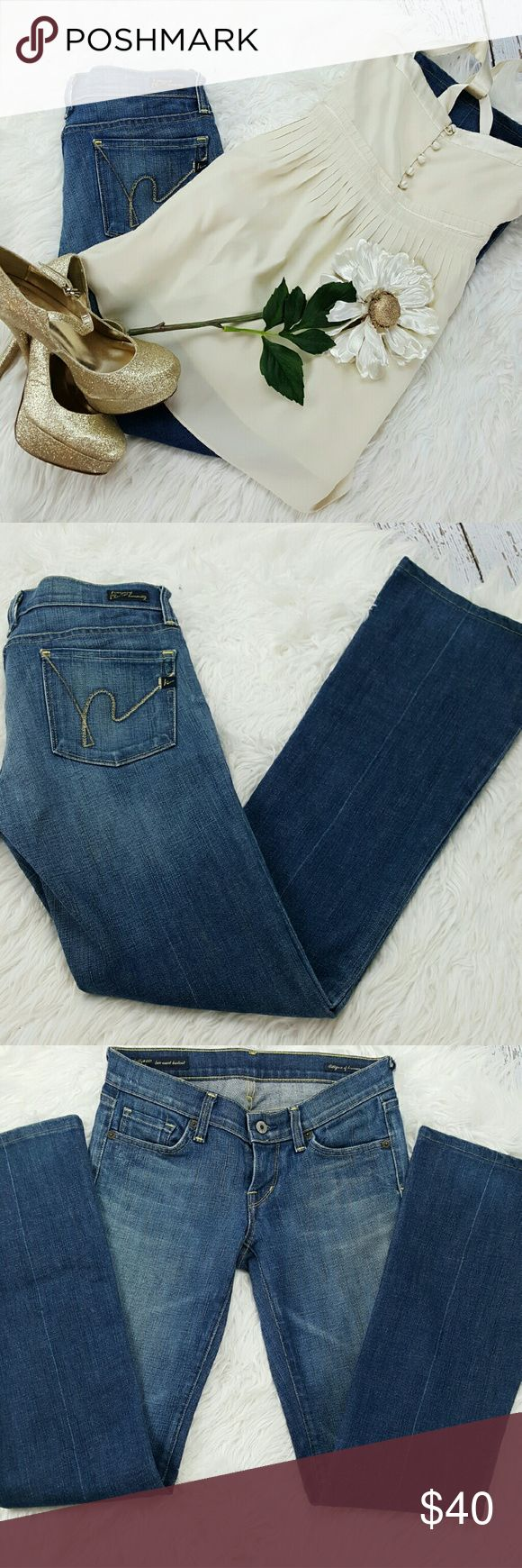 "💞SALE Citizens of Humanity ""Kelly"" Premium Denim Awesome Citizens of Humanity ""Kelly"" Premium Denim 32"" Inseam 7"" Rise 98% Cotton 2% Polyurethane Great Condition Citizens of Humanity Jeans Boot Cut"