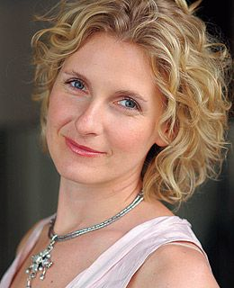 "Elizabeth Gilbert is a successful woman and author of many books. Our favorite is 'Eat Pray Love""."