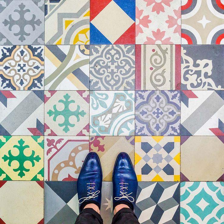 I pavimenti di Barcellona, guarda in basso e scopri la cultura della città