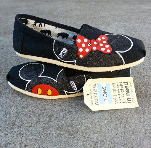 BLACK GLITTER Minnie and Mickey Mouse Disney shoes perfect for your Summer Trip to Disneyland