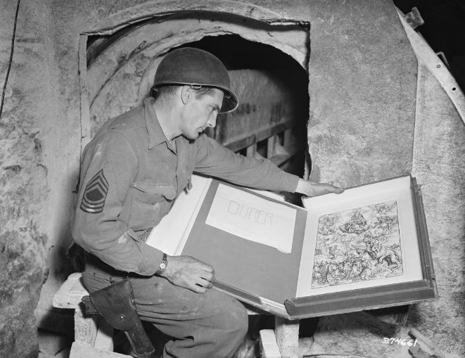 """8 Badass Photos From the Real-Life """"Monuments Men""""—Who Saved Art and Treasure From the Nazis 