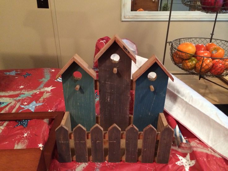 Before- out dated wooden bird house decor