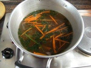 Klare Suppe vom Schwein asiatisch