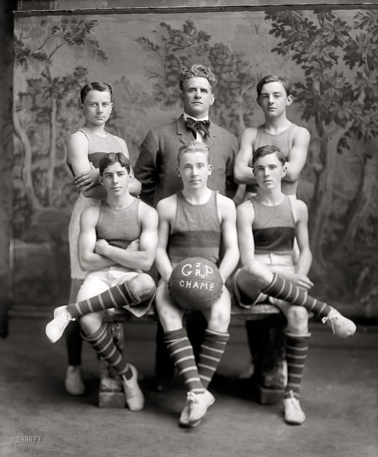 Washington, D.C., circa 1911. Georgetown basketball. Georgetown Preparatory School junior varsity.